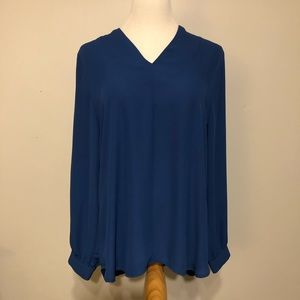 Violet + Claire Blue Long Sleeved V- Neck Top- L